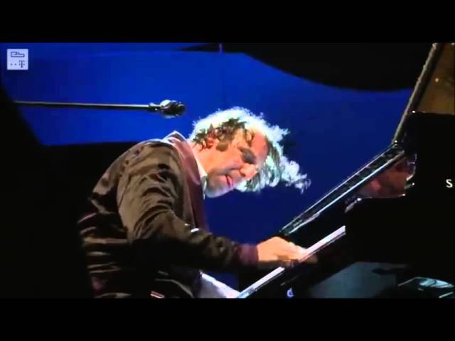 Chilly Gonzales Never Stop live