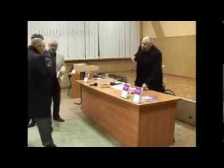 """Пастор """"Нового поколения"""" Александр Кипко бъёт православного богослова"""