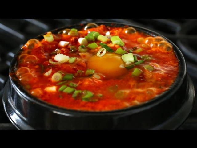 Kimchi soft tofu stew (kimchi sundubu-jjigae 김치순두부찌개)