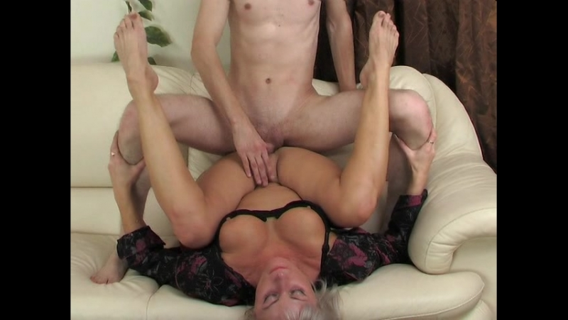 Olgun kadın sikişi porno izle