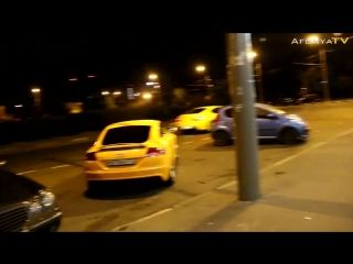 Красавице не по душе отечественный автопром - gold digger prank