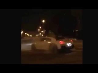 Nissan GTR дрифтует в г.Грозном.24.08.2014