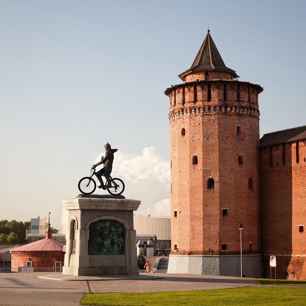 Дмитрий Донской на велосипеде, Коломна