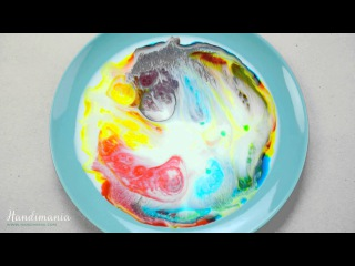 Dish soap and food coloring experiment - Handimania Lab