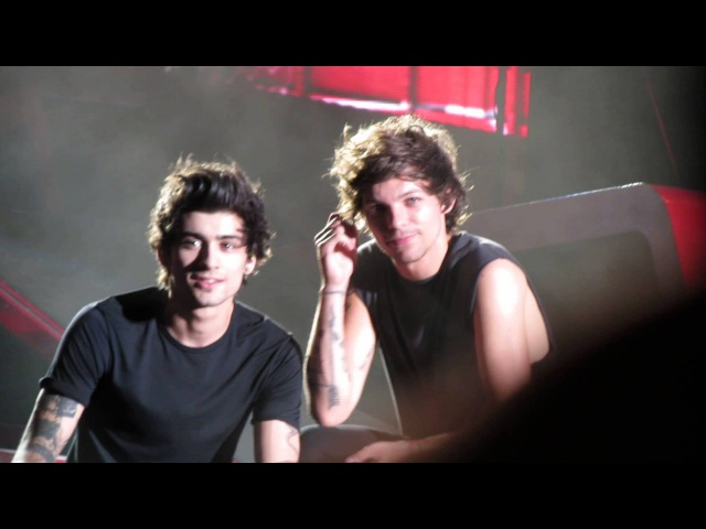 Zayn and louis interacting with the audience at metlife stadium (august 5th)