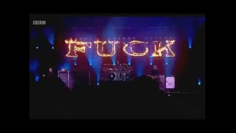 Blink-182 - Violence LIVE @ Reading 2014