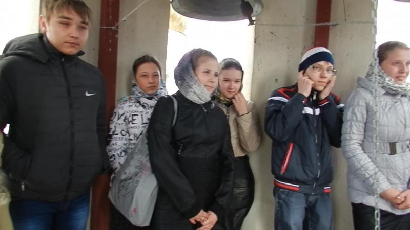 На Звоннице Троице-Владимирского Собора с учащимися школы №2, звонарь ученик школы №60 Максим Бутенко