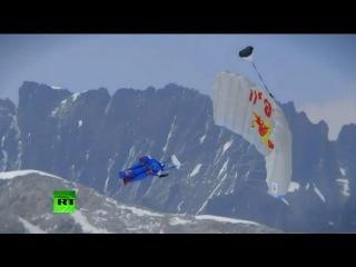 Российский парашютист-экстремал покорил Эверест