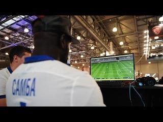Самба и Данилкин сыграли в FIFA c киберспортсменами