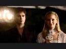 Деймон А он тебя целует Дневники вампира