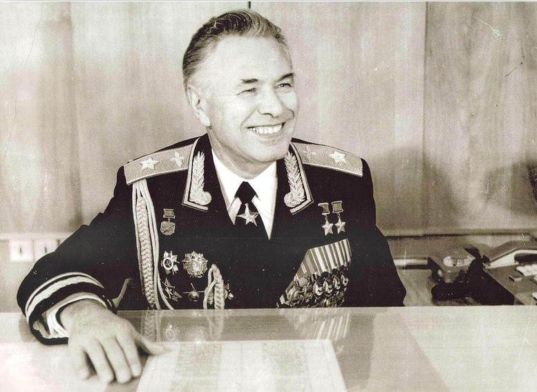 Н.М. Скоморохов в рабочем кабинете. 1981 год. Фото М. Редькина (предположительно)