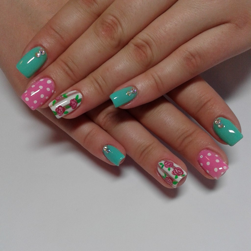 Весенний дизайн ногтей на короткие ногти