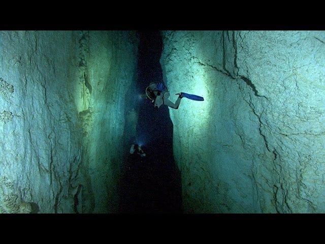 Stargate Blue Hole | JONATHAN BIRD'S BLUE WORLD
