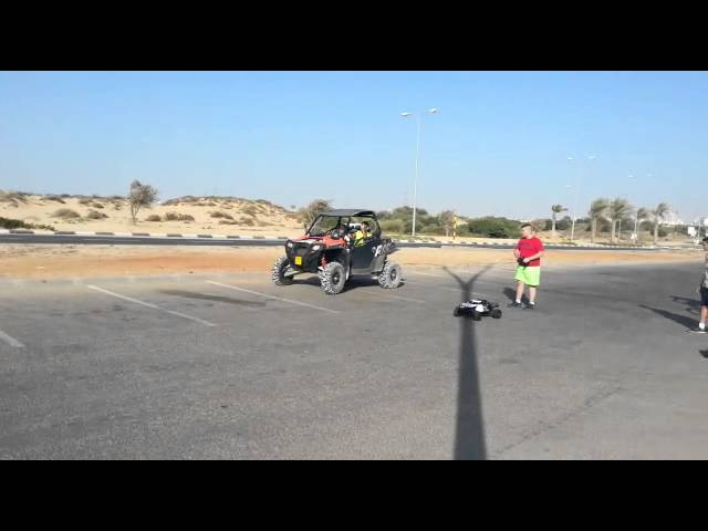 Hpi baja 5t vs rzr 900-Isreal group