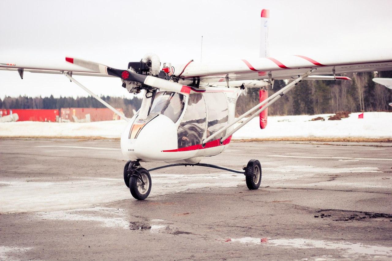 Полет на самолете в подарок на 8 марта