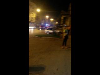 бомж пожарил шашлыки в подвале)))