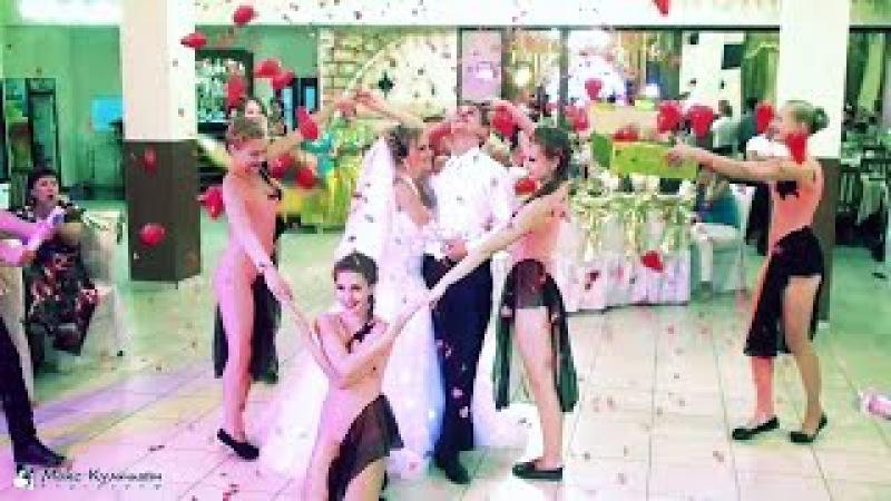 Невеста поет песню подарок растрогал жениха до слез