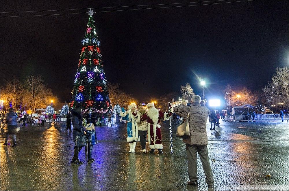 Новогодний вечерний Севастополь. Фото: Виктория Ступина
