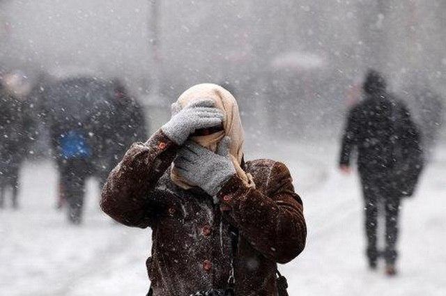 Экстренное предупреждение МЧС: сильный ветер, ветровой сгон на Азовском море
