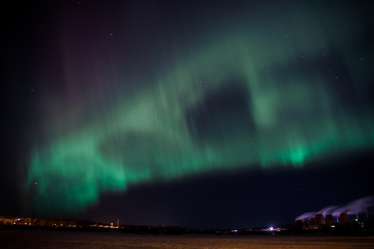 Северное сияние над Краснотурьинском. Фото Николая Галкина