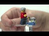 LEGO® Creator - Designer Morten präsentiert Modell 31025 Berghütte mit Felsen