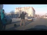 смешные пешеходы на дороге, адекваты и не очень! прикол!))) funny pedestrians on the road