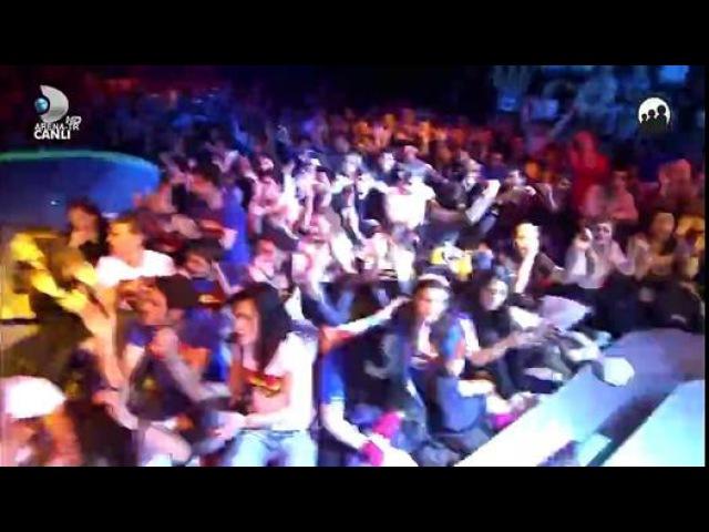 Hadise - Deli Oğlan - Dailymotion video