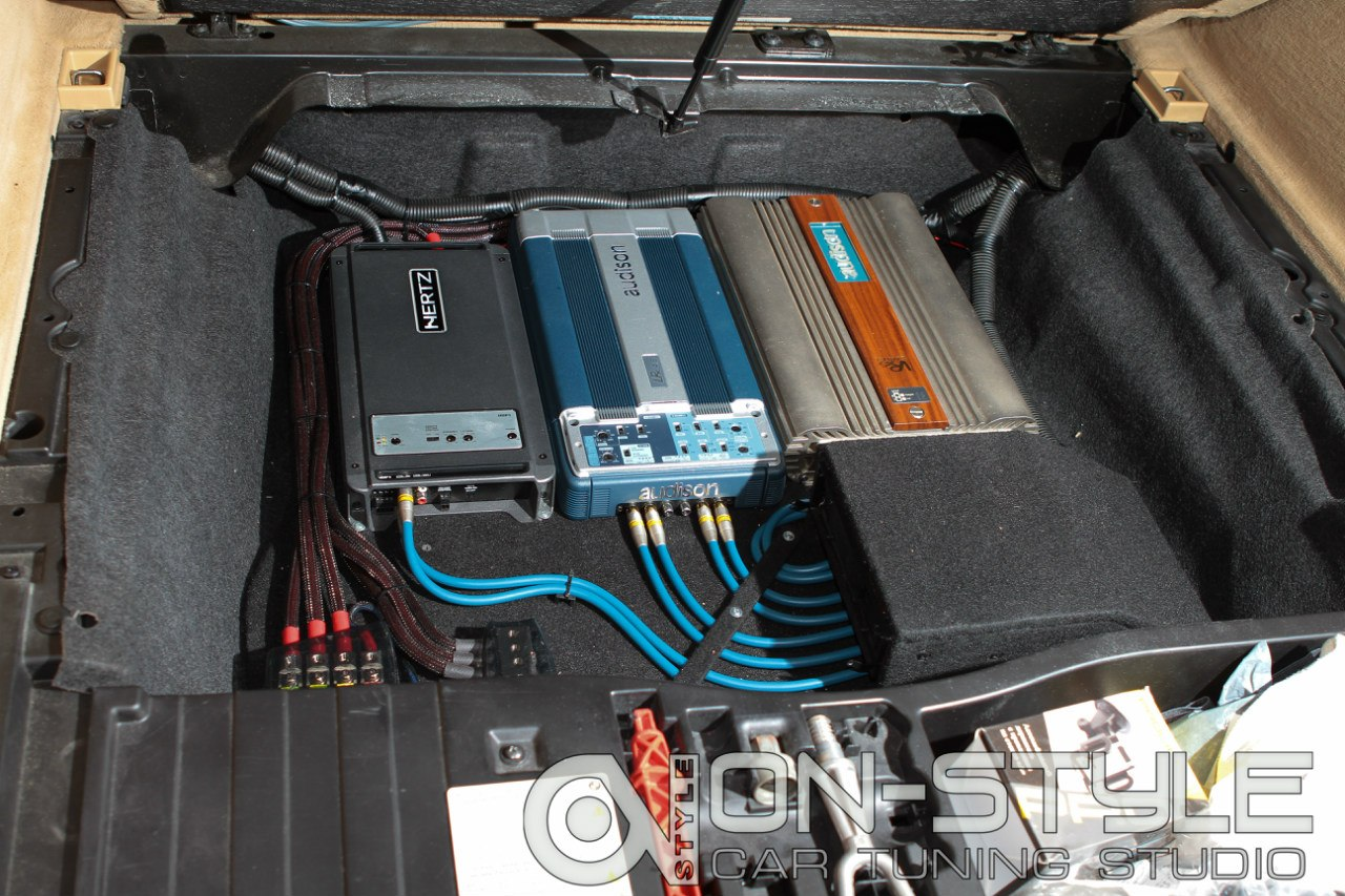 Усилители audison Vrx lrx  Hertz  pioneer 99 prs Thernov
