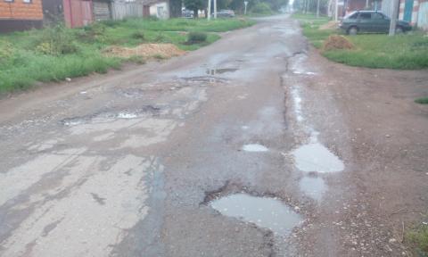 Житель Чистополя пожаловался на плохую дорогу на улице Октябрьская – «Народный контроль»