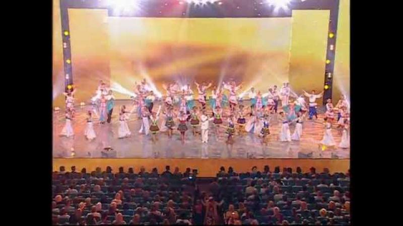 Святковий концерт Мамо вічна і кохана 2013 рік