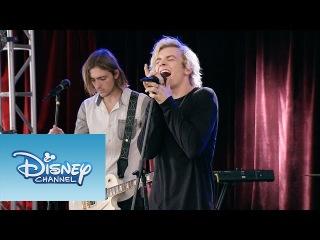Violetta: Momento Musical: Los chicos de R5 cantan
