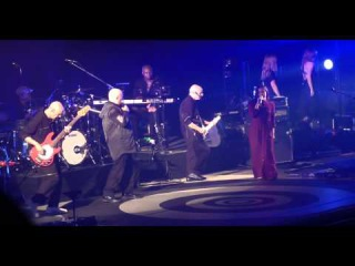 Peter Gabriel ft. Sevara - In Your Eyes (Live SSE Arena Wembley 3/12/2014)