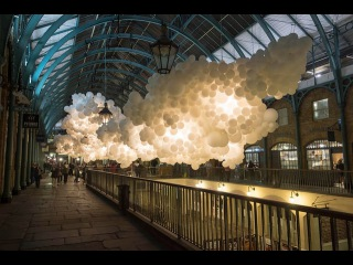 Heartbeat: 100,000 Illuminated Balloons Suspended in Covent Garden by Charles Pétillion