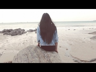 Fakear - La Lune Rousse feat. Deva Premal (2014)