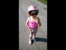 моя дочка поёт