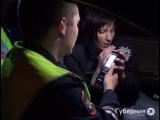 Пьяной хабаровской автолюбительнице не дал уехать с места аварии севший аккумулятор.MestoproTV