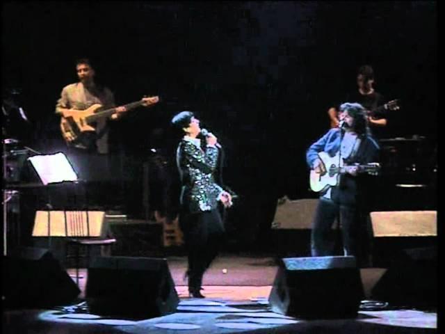 Mia Martini duetta con Enzo Gragnaniello in Donna