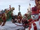 Рождественский парад в Диснейленде Париж