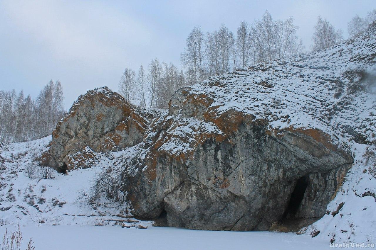Зотинская пещера
