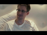 Эдвард Сноуден (Edward Joseph Snowden) прячется под одеялом от АНБ