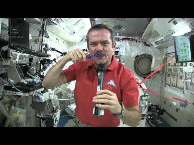 Chris Hadfield Brushes his Teeth in Space