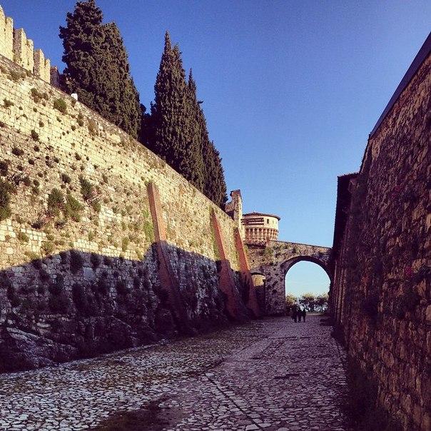 Брешиа (Brescia), Ломбардия, Италия - достопримечательности, замок Брешии