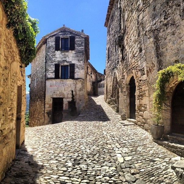 Lacoste (Лакост) Прованс, Petit Luberon. Франция - путеводитель, достопримечательности.