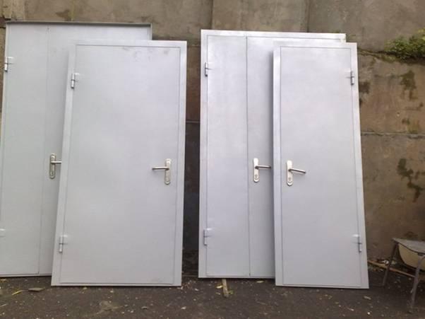 Установка металлических дверей