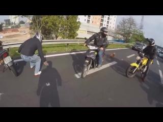 Motosiklet Grubu Köpeği Kurtardı