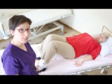 Основы ухода: как повернуть человека в кровати