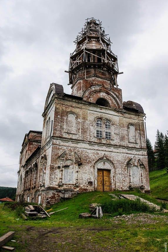 Свято-Троицкая церковь в селе Кын