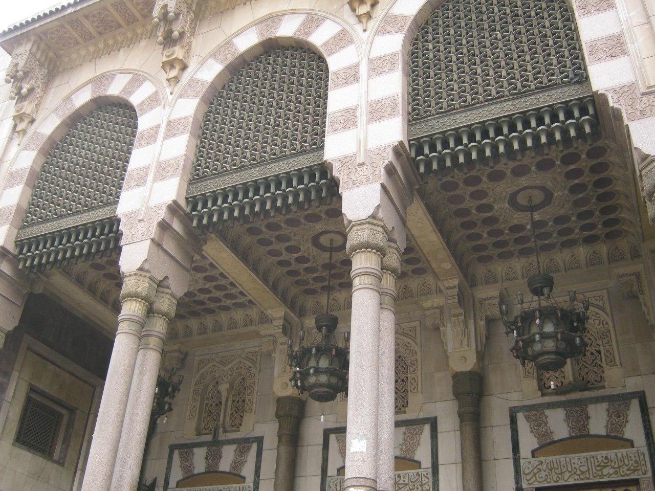 В старой мечети Каира