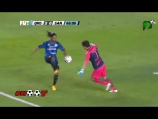 Ronaldinho steals Ball from Goalkeeper and Scores | Queretaro vs Santos 3-0 | 2015