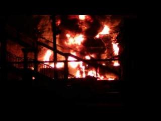 Под Харьковом - крупный пожар: горят цистерны с топливом